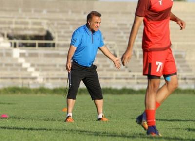 کاظمی: 6 گل زدیم اما از عملکرد تیمم راضی نیستم، حتی در گل کوچیک هم دوست ندارم ببازم